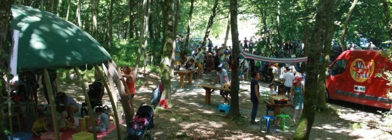 Ludothèque lors d'un dimanche animé en forêt