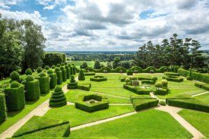 Les jardins vus du château de la Ballue