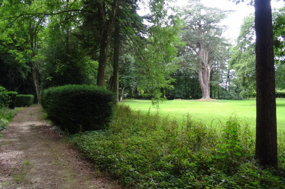 Parc arrière du château de la Rouërie